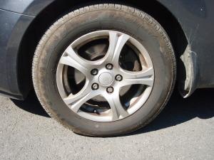 Disk pneumatiky před ošetřením přípravkem RimWax